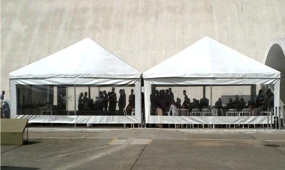 Tenda Piramidal Fechada Serviços na Saúde - Tenda Piramidal Cristal